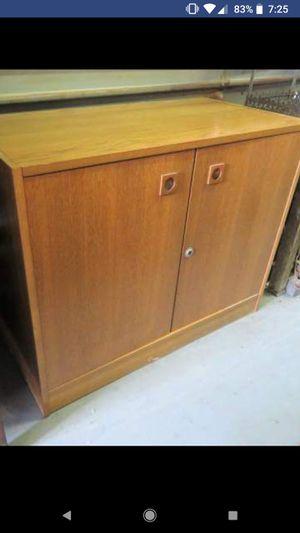 Vintage Wood TV Stand Cabinet for Sale in Midlothian, VA