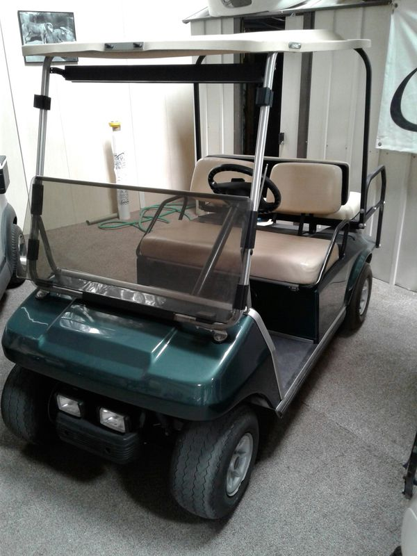 Club Car Golf Cart 4 Seater In Excellent Condition For Sale In Las