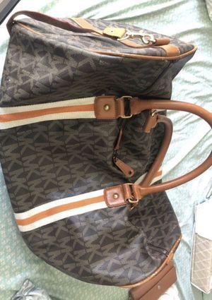 Michael Kors XL Duffle bag for Sale in Arlington, VA
