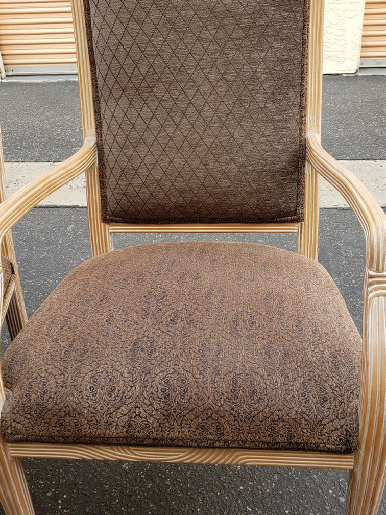Accent Chairs / Dining Chairs