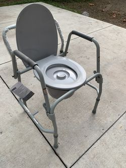Bed side toilet seat for handicap or disabled person Thumbnail