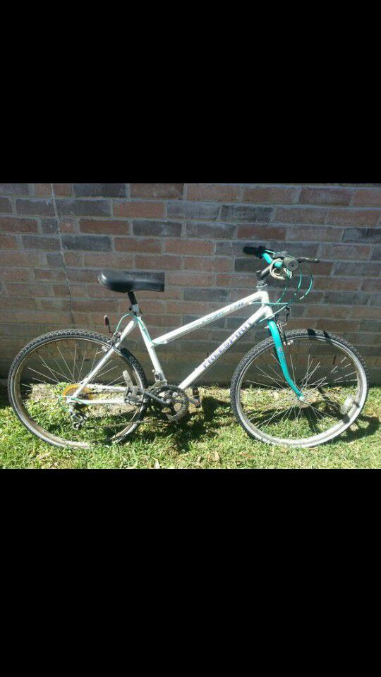 CustomGirls 26 inch free spirit bike for Sale in Saint Paul, MN - OfferUp