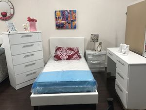 New and Used Bedroom set for Sale in Miami, FL - OfferUp