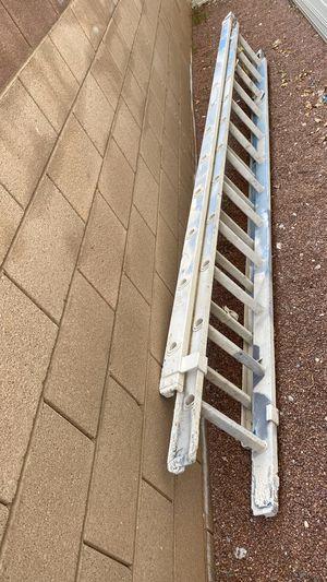 Photo 24 foot ladder