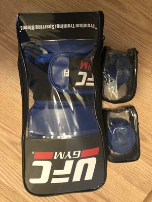 Boxing gloves and wraps for Sale in Chicago, IL
