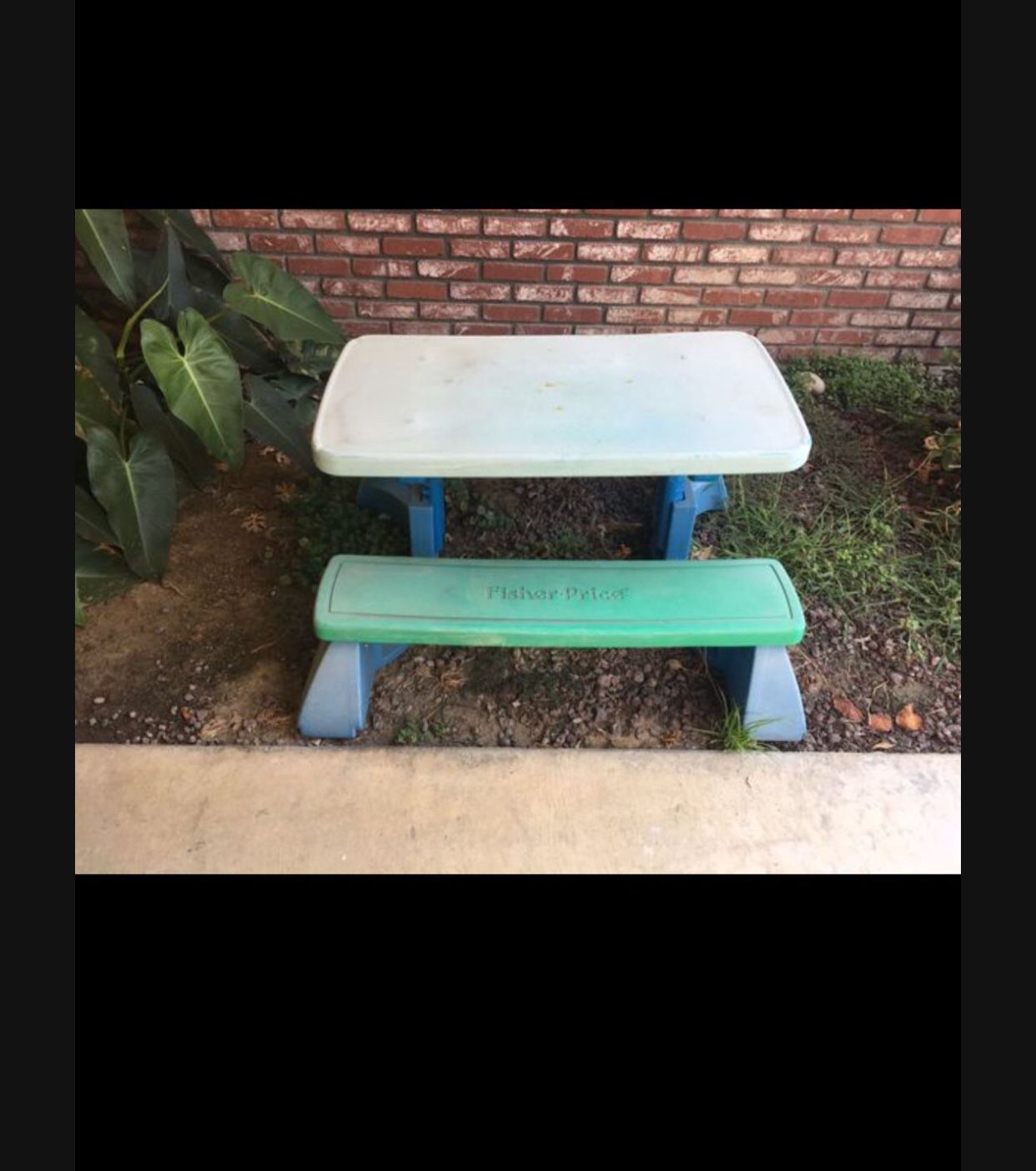 Little Tykes Picnic Table