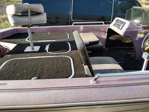 Photo VIP 16 foot bass fishing boat