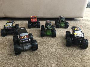 Photo Hot Wheels Monster Jam trucks