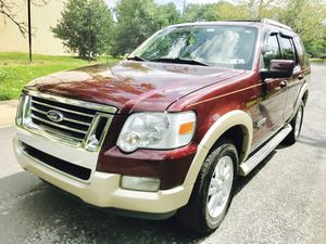 2006 Ford Explorer Eddie Bauer advance trac ready for snow ¥ 4WD for Sale in South Kensington, MD