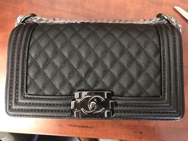 1533b7a254b1 Chanel BLACK CAVIAR MEDIUM BOY FLAP shiny black hardware for Sale in San  Leandro, CA - OfferUp