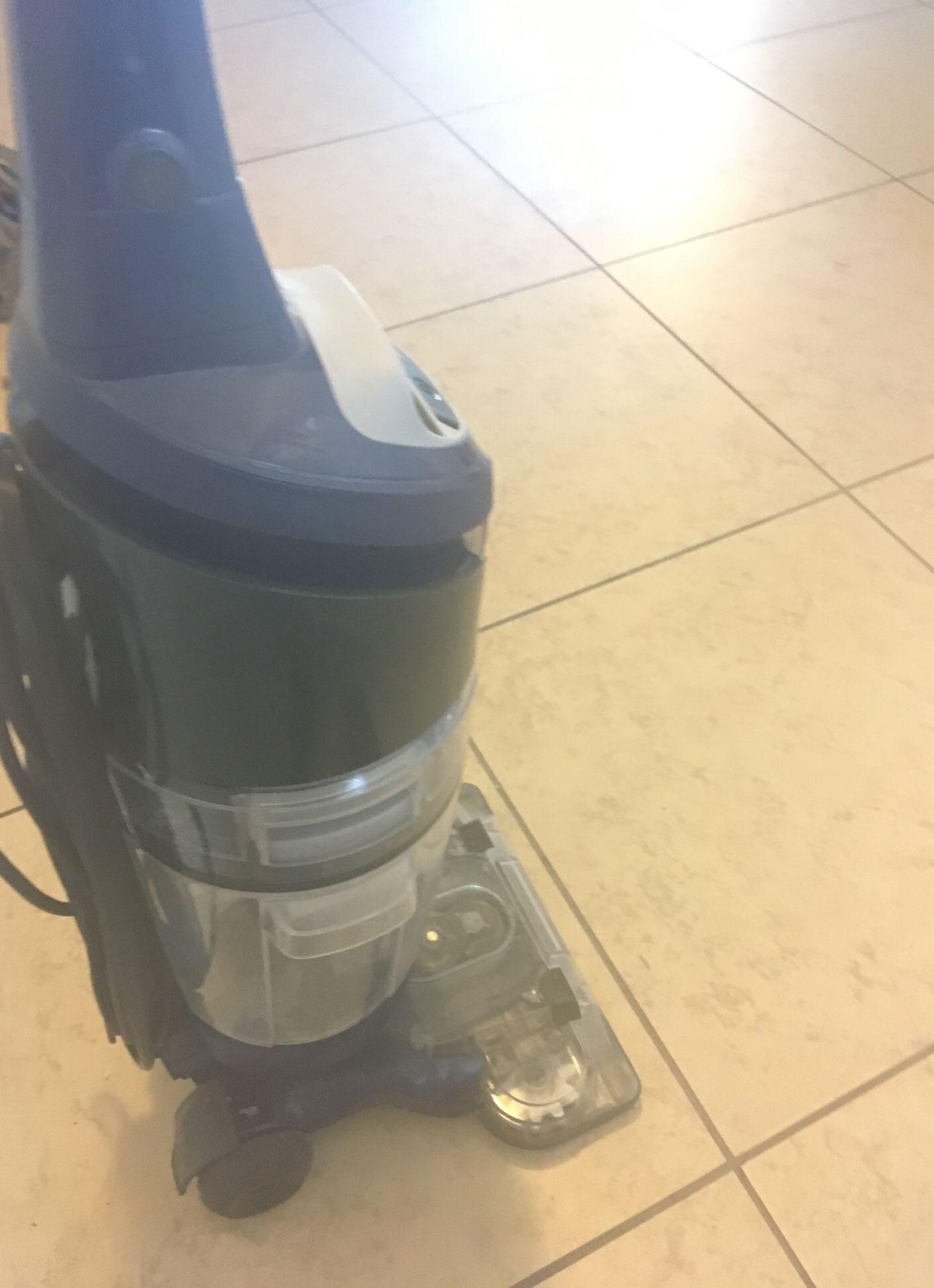 Oreck Floor cleaner FREE (doesn't start)