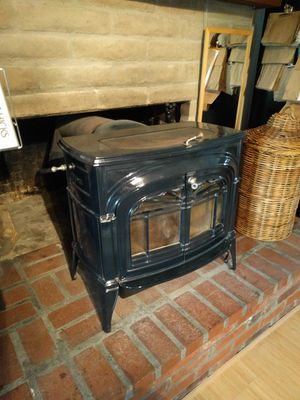 Vermont Castings Cast Iron Wood-Burning Stove for Sale in Mill Valley, CA