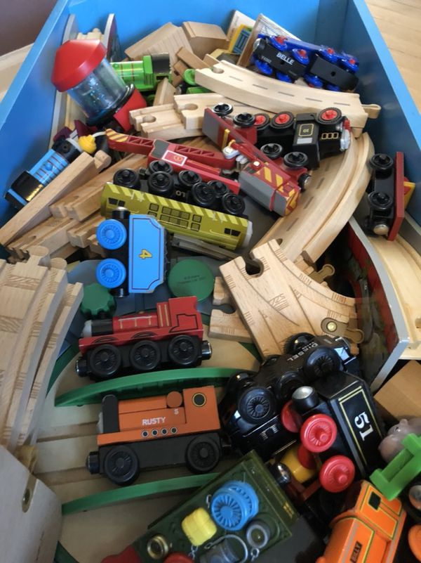 Thomas and friend tidmouth shed deluxe set (Games & Toys) in ...