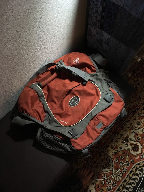 Osprey Elroy Messenger Bag For Sale In Everett Wa Offerup