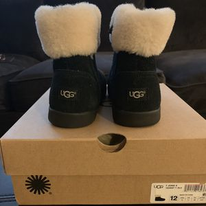 Kid's Uggs size 12 for Sale in Rockville, MD