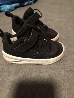 Toddler boy shoes Thumbnail