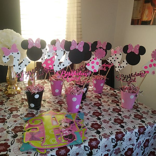 Second Birthday Minnie Mouse Party Decorations