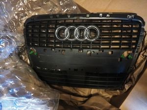 2005 Audi A8 Front Grille (New) for Sale in Woodbury, MN