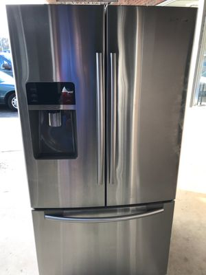 Samsung refrigerator for Sale in Farmville, VA