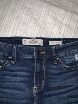 Size 5s Hollister blue ripped jeans Thumbnail