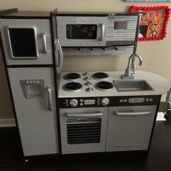 Children's Play Kitchen & Washer/Dryer Thumbnail