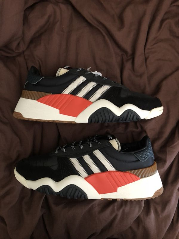 5e18aa922 Adidas x Wang Trainers Size 9 for Sale in Queens