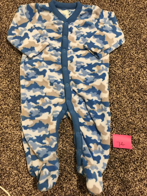 951f30547 Oshkosh pajama 6 month for Sale in Victorville