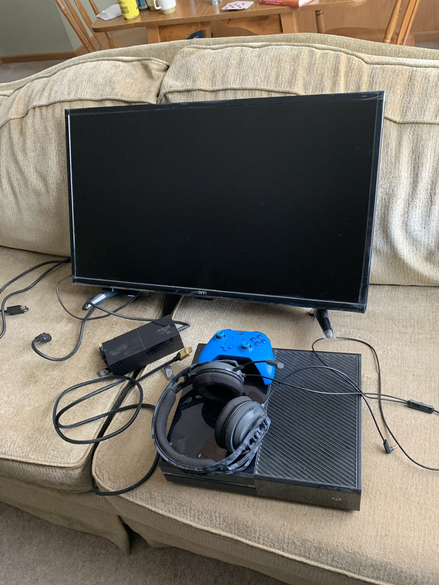 """Xbox one with controller and Kinect, 32"""" TV, and RIG Headset"""