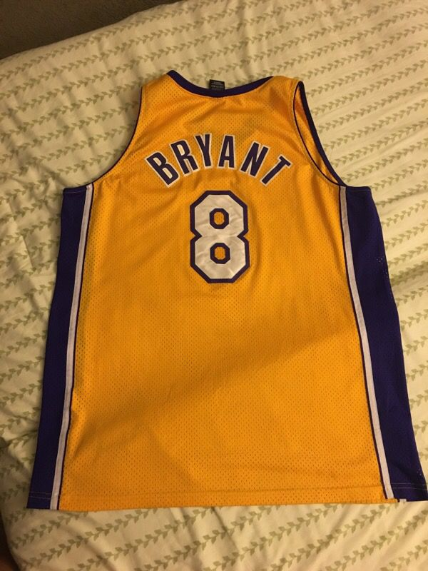 b930a3369012 Kobe Bryant jersey  8 Lakers (Clothing   Shoes) in Union City
