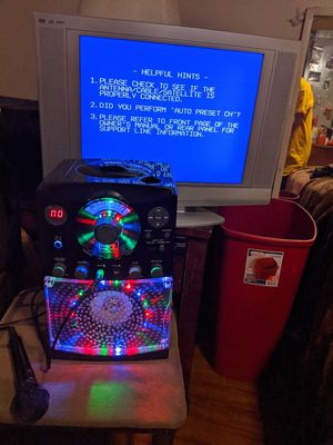 Photo The Singing Machine' Light Up Karaoke CD Player plus Emerson lcd tv/DVD combo