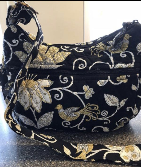 7c8bce4f9bfb VERA BRADLEY PURSE   CHECK MY LOCATION FIRST BEFORE SENDING OFFERS   for  Sale in Warrenville