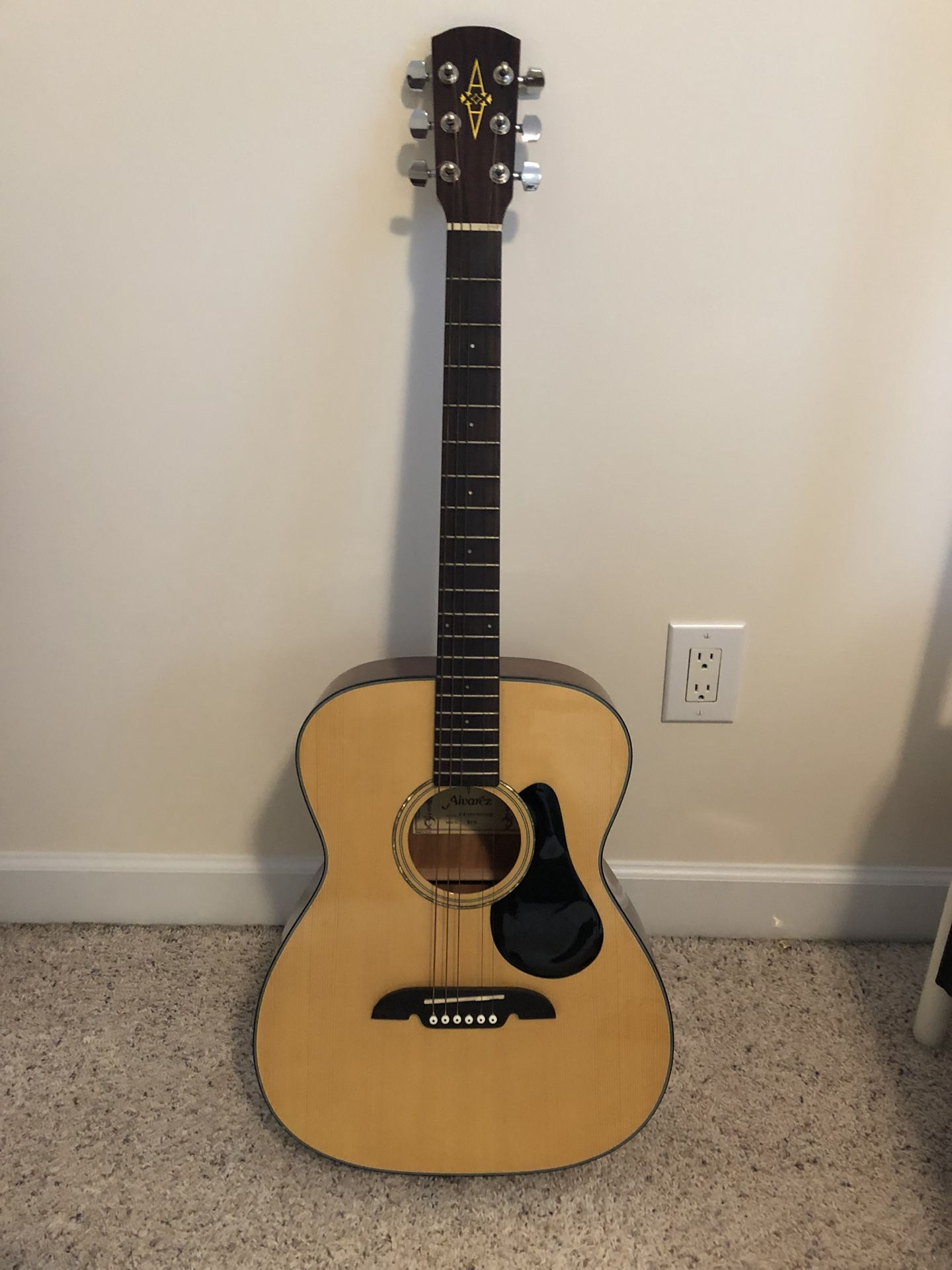 Alvarez folk guitar!!