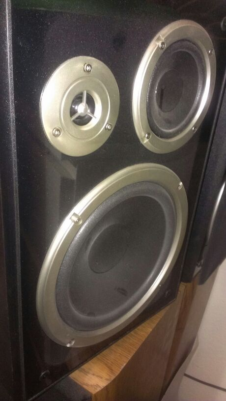 Auvio 3 Way Speakers One Pair For Sale In Vacaville Ca Offerup