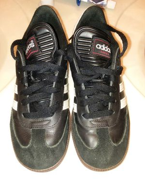 0e97983a2 Youth 5.5 Adidas Samba sneakers for Sale in Scranton, PA - OfferUp