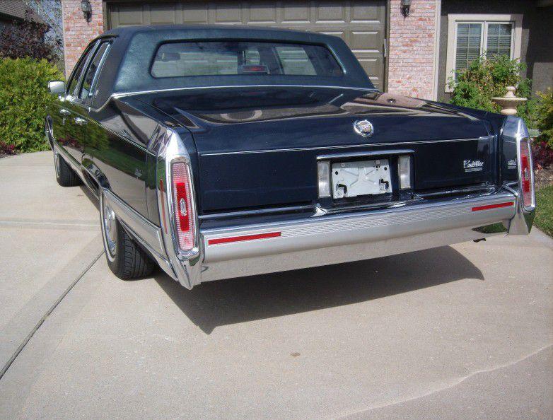 Photo 1990 Cadillac Fleetwood