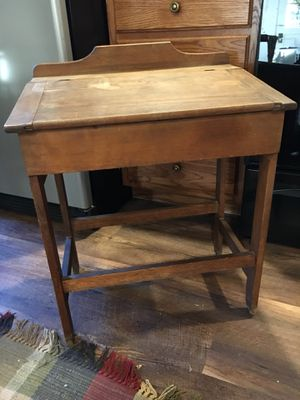Child's antique desk for Sale in Sharpsburg, MD