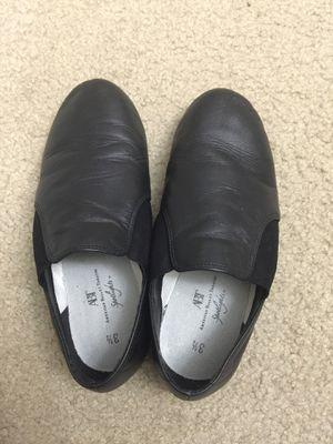 Kids ballet shoes. Size 3 1/2 for Sale in Herndon, VA