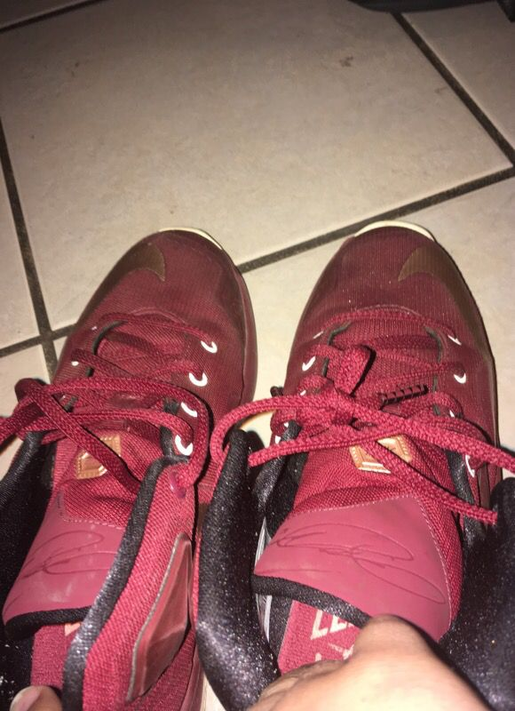 b21eff9e960 Lebron James shoes size 5 in kids (Clothing   Shoes) in Hayward