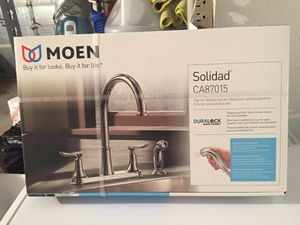 Photo Moen 2 handle kitchen sink faucet