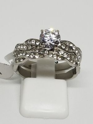 Size 9 never tarnish to peace wedding set for Sale in St. Louis, MO