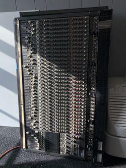 MACKIE MIXER 32X8X2 BUS MIXING CONSOLE (NO POWER ADAPTER) Thumbnail