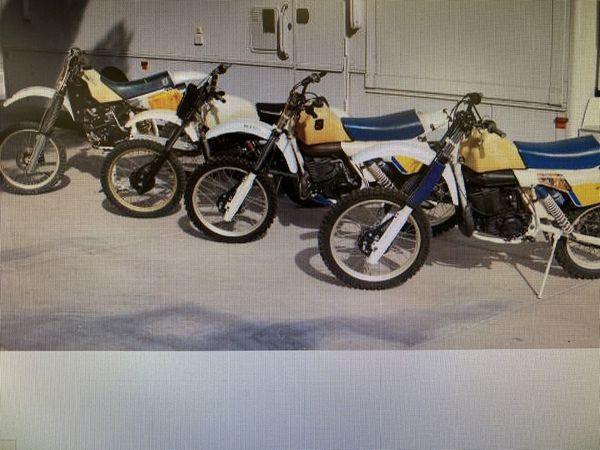 4 husqvarna motorcycles, (2) 1984 500xc�s, (1) 1979 390cr, (1) 1987 510te and parts etc.