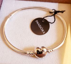 Photo NWT PANDORA HEART BRACELET