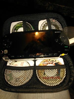 Sony PSP w 8 movies and games for sale  Tulsa, OK