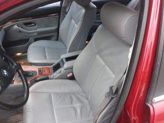2000 BMW 528i Thumbnail