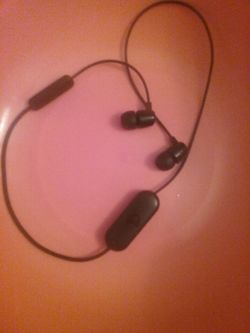 Skullcandy Bluetooth headphones Thumbnail