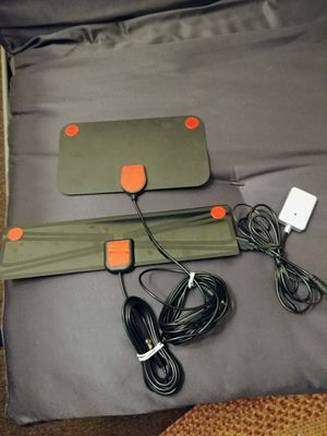 Two antennas with transmitter / receiver to hook up for Sale in Fresno, CA