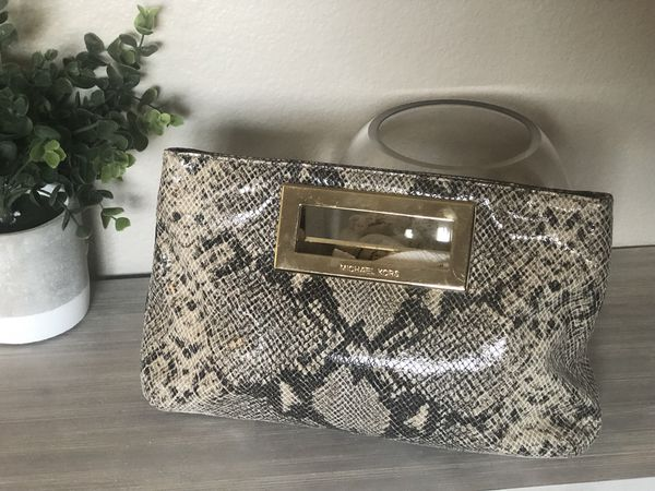 33901658beb697 New No Tags Michael Kors clutch purse for Sale in Riverside, CA ...