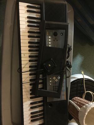 Keyboard + Stand for Sale in Bartlett, IL