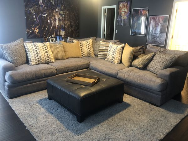 Excellent Cindy Crawford Couch Rug Ottoman And Pillows For Sale In Evergreenethics Interior Chair Design Evergreenethicsorg